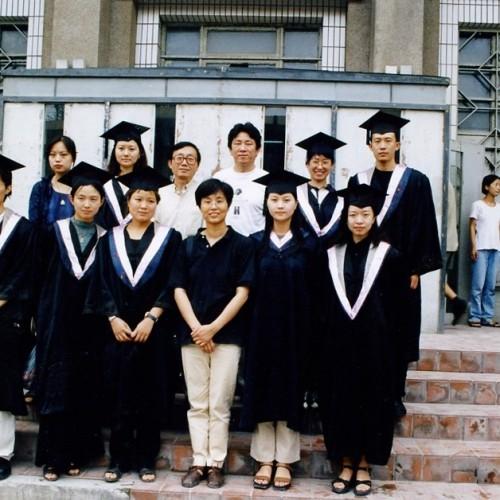 1999视觉传达第一届毕业生